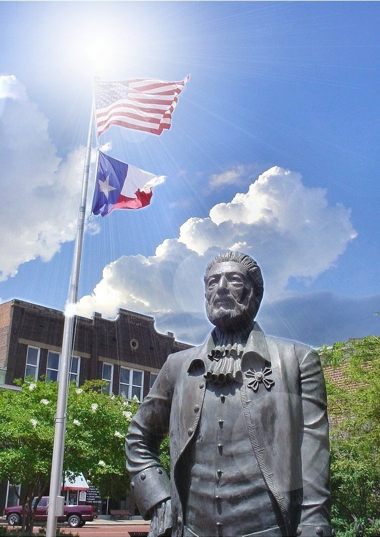 Picture of the Statue of Gil Y'Barbo in Historic Nacogdoches