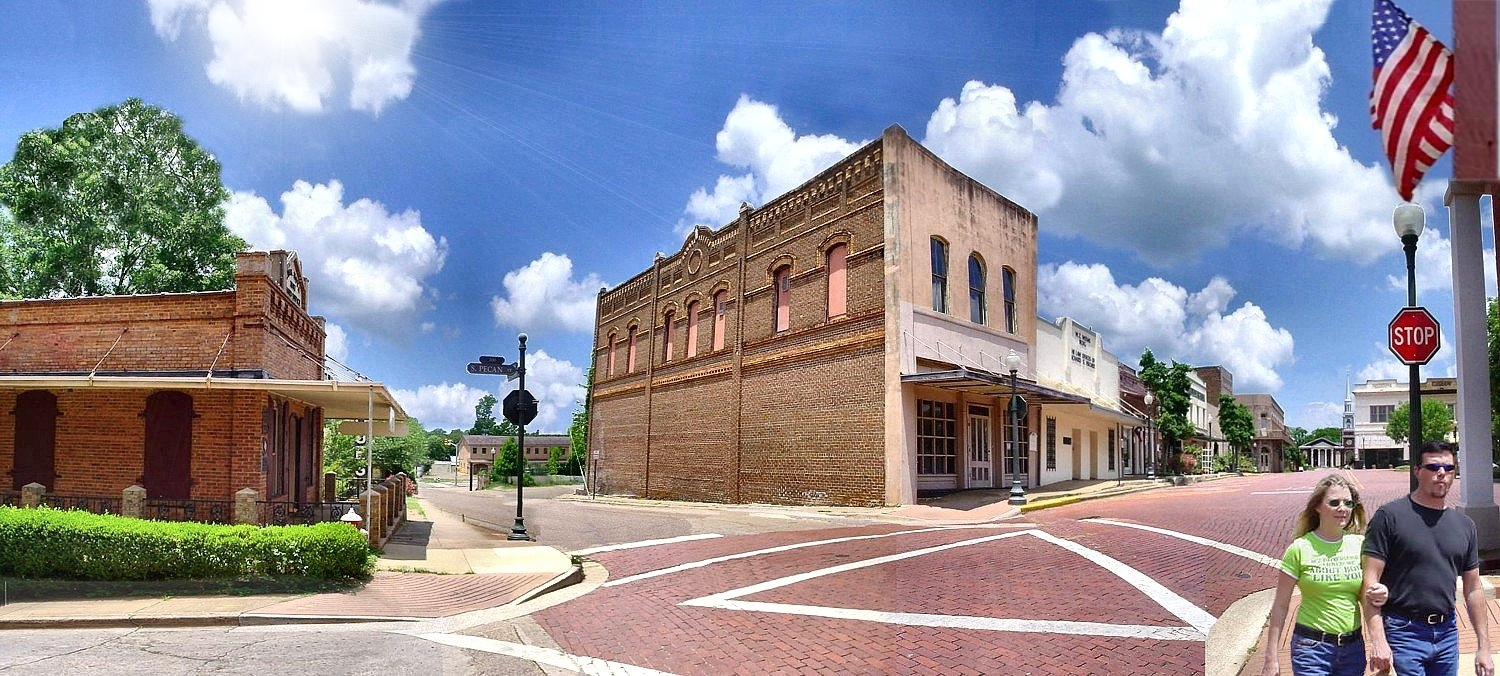 Picture of the West Side Town Square in Historic Nacogdoches