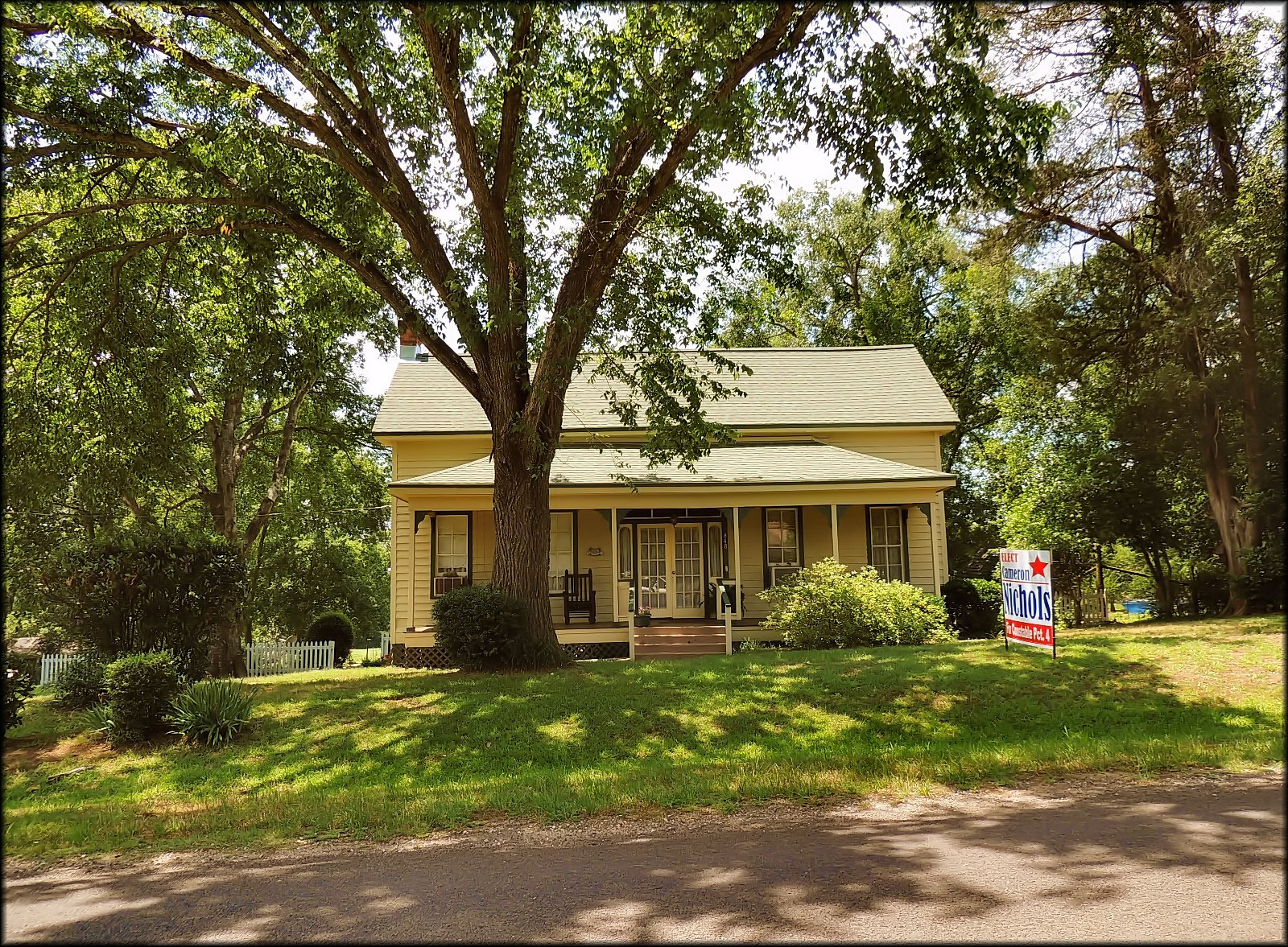 A Quaint Old Victorian Home On Texas Farm Road 95 At