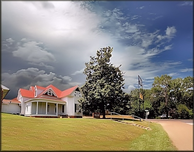 Dickie Allen Funeral Home at Cushing, Texas in Historic Nacogdoches County